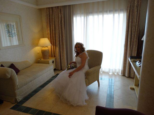La boda de Robert y Yoli en Benidorm, Alicante 8