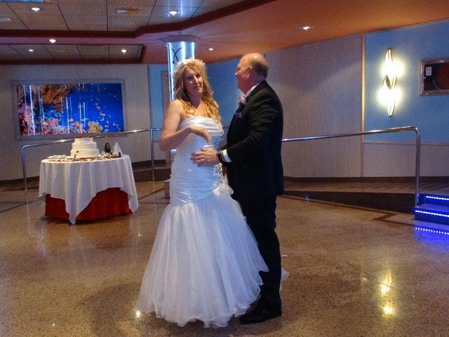 La boda de Robert y Yoli en Benidorm, Alicante 22