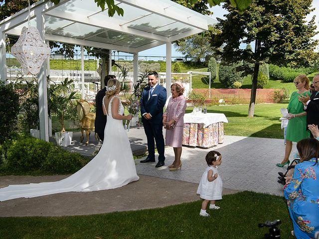 La boda de Daniel y Sara en Castejon, Navarra 41