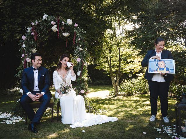 La boda de Gonzalo y Adriana en Santiago De Compostela, A Coruña 26