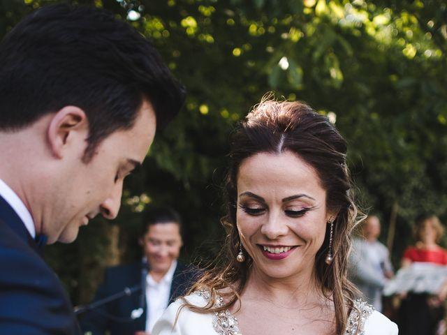 La boda de Gonzalo y Adriana en Santiago De Compostela, A Coruña 30