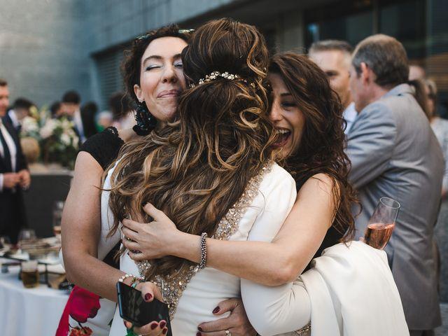La boda de Gonzalo y Adriana en Santiago De Compostela, A Coruña 36
