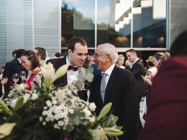 La boda de Gonzalo y Adriana en Santiago De Compostela, A Coruña 38