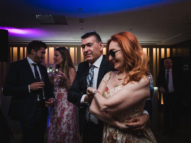 La boda de Gonzalo y Adriana en Santiago De Compostela, A Coruña 56