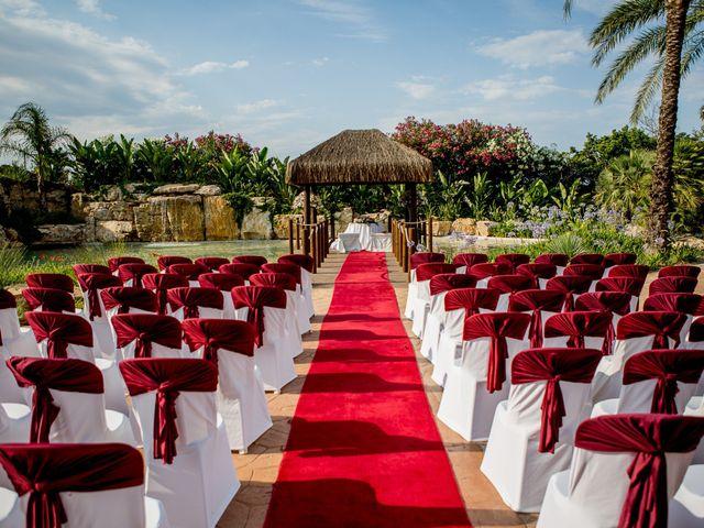 La boda de Miguel Angel y Miriam en El Puig, Valencia 34