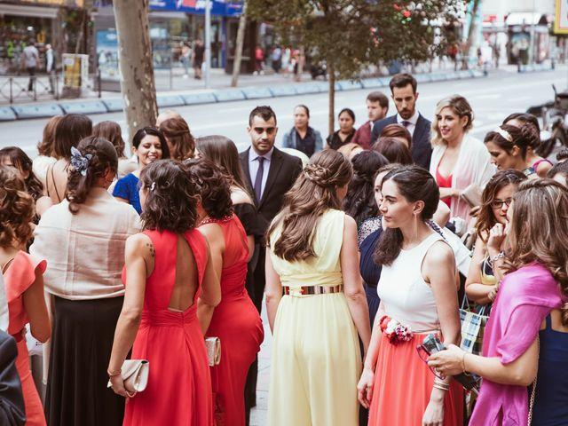 La boda de María y Ángel en Madrid, Madrid 28