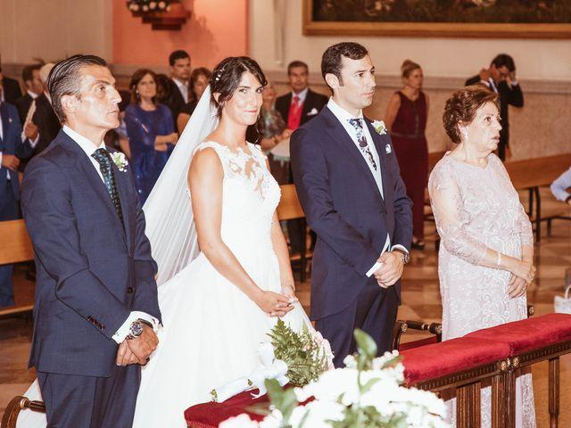La boda de María y Ángel en Madrid, Madrid 33