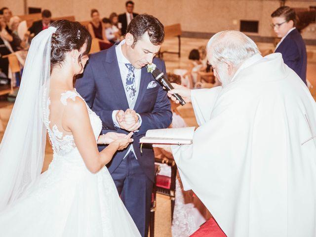 La boda de María y Ángel en Madrid, Madrid 35