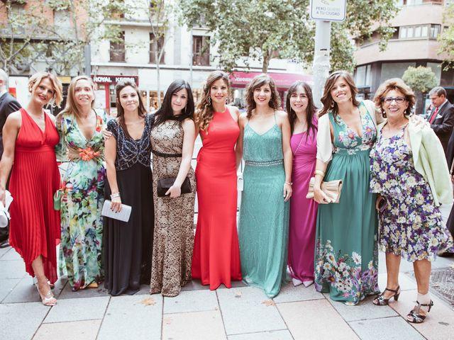 La boda de María y Ángel en Madrid, Madrid 39