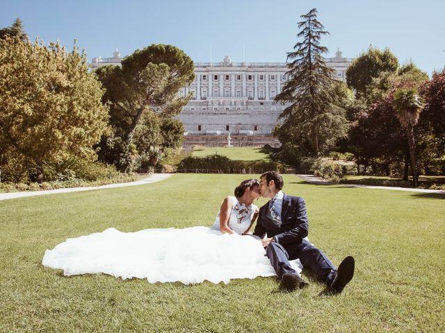 La boda de María y Ángel en Madrid, Madrid 54