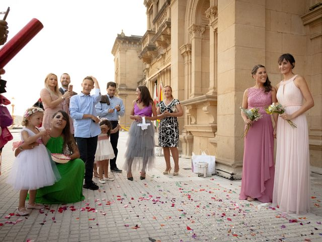 La boda de Pilar y Oihana en Donostia-San Sebastián, Guipúzcoa 19