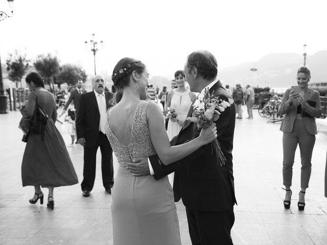 La boda de Pilar y Oihana en Donostia-San Sebastián, Guipúzcoa 30