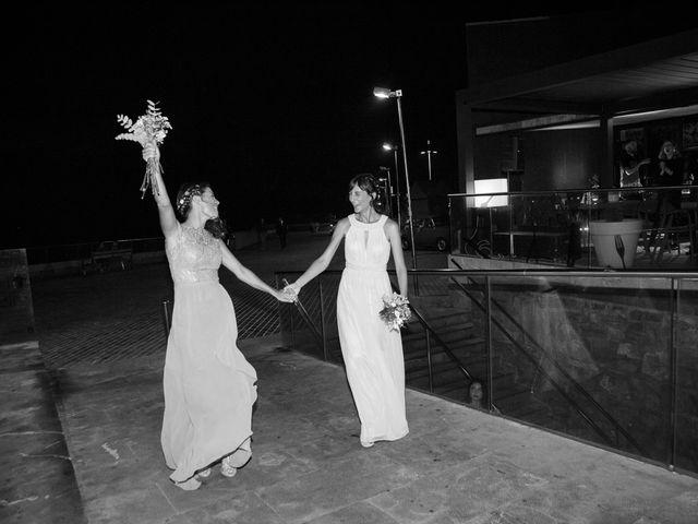La boda de Pilar y Oihana en Donostia-San Sebastián, Guipúzcoa 36