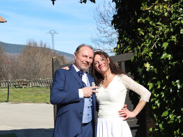 La boda de Manuel y Sonia en Pinilla Del Valle, Madrid 17