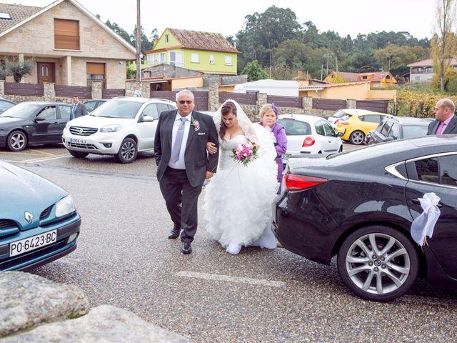 La boda de Nano y Yoli en Bueu (Resto Parroquia), Pontevedra 18