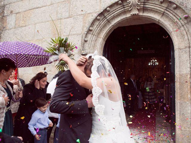 La boda de Nano y Yoli en Bueu (Resto Parroquia), Pontevedra 27