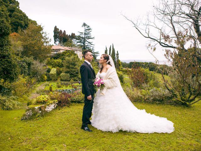 La boda de Nano y Yoli en Bueu (Resto Parroquia), Pontevedra 34