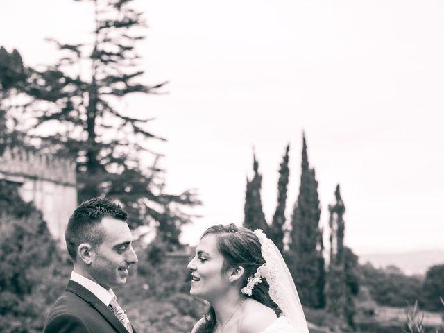 La boda de Nano y Yoli en Bueu (Resto Parroquia), Pontevedra 35