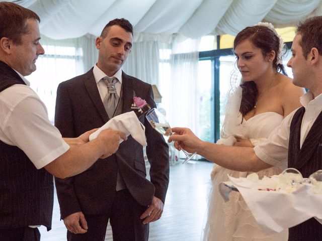 La boda de Nano y Yoli en Bueu (Resto Parroquia), Pontevedra 37