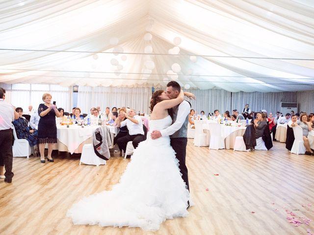 La boda de Nano y Yoli en Bueu (Resto Parroquia), Pontevedra 49