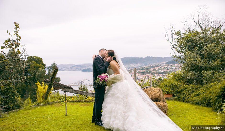 La boda de Nano y Yoli en Bueu (Resto Parroquia), Pontevedra