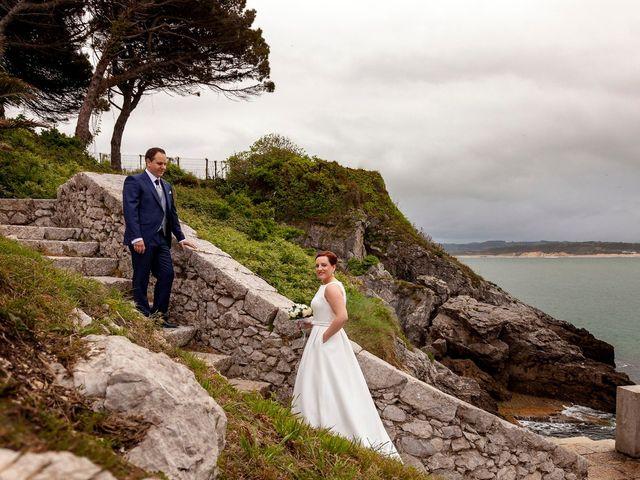 La boda de Rafael y Mar en Santander, Cantabria 32