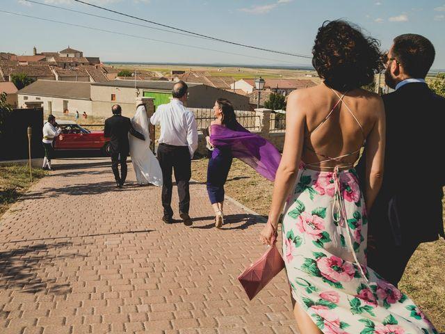 La boda de Joaquín y Patricia en Torrecaballeros, Segovia 18
