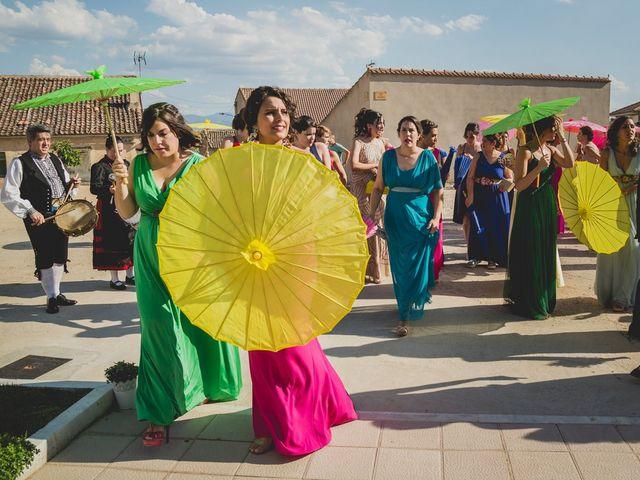 La boda de Joaquín y Patricia en Torrecaballeros, Segovia 23
