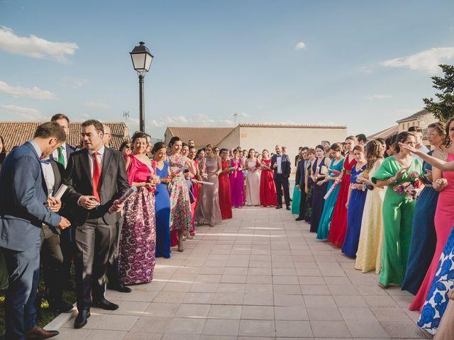 La boda de Joaquín y Patricia en Torrecaballeros, Segovia 29