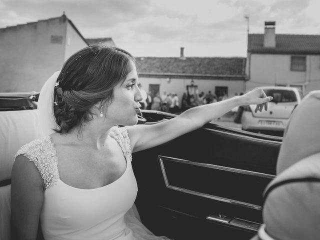 La boda de Joaquín y Patricia en Torrecaballeros, Segovia 36