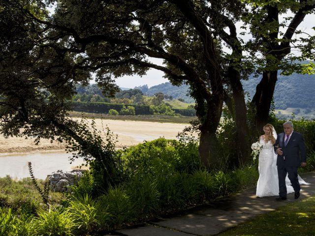 La boda de Javier y Clebia en Isla, Cantabria 8