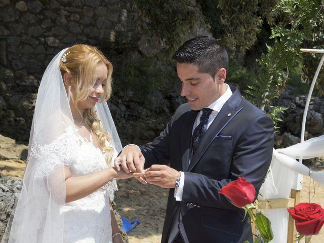 La boda de Javier y Clebia en Isla, Cantabria 13