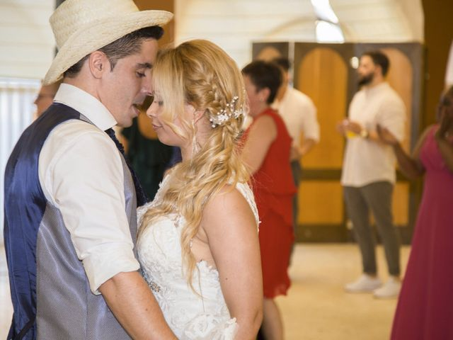 La boda de Javier y Clebia en Isla, Cantabria 32
