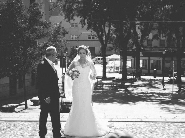 La boda de Jose y Ester en Madrid, Madrid 23