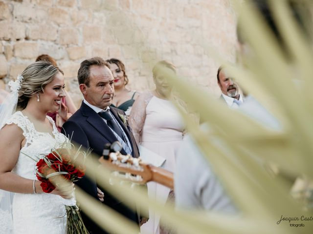 La boda de Óscar y María del Mar en Mengibar, Jaén 32