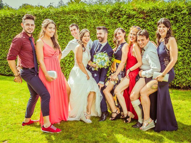 La boda de Javi y Fanny en Bueu (Resto Parroquia), Pontevedra 17