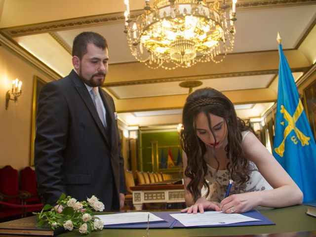 La boda de Alfredo y Melisa en Oviedo, Asturias 3
