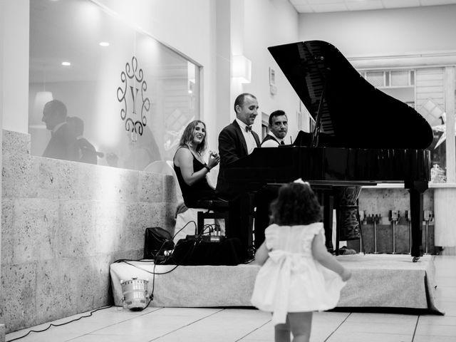 La boda de Fernando y Mónica en Puerto Real, Cádiz 43