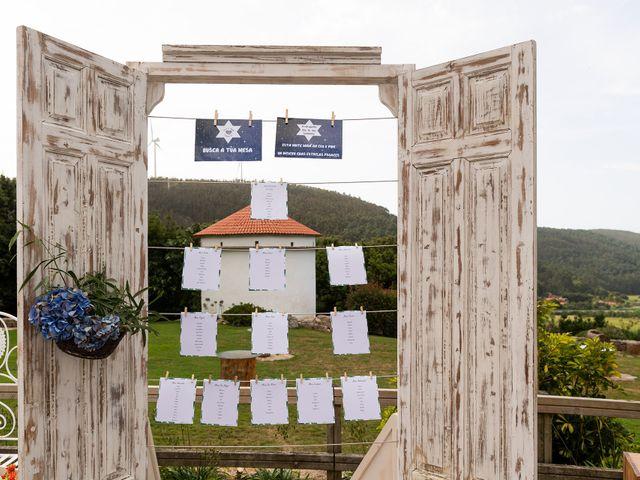 La boda de Aarón y Virginia en Laxe, A Coruña 28
