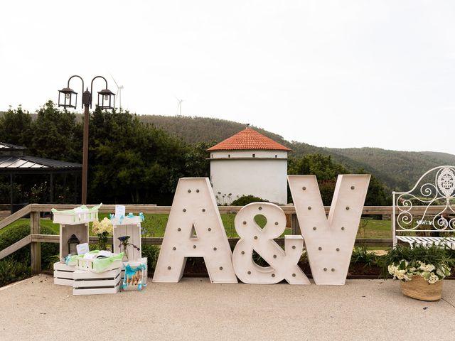 La boda de Aarón y Virginia en Laxe, A Coruña 29