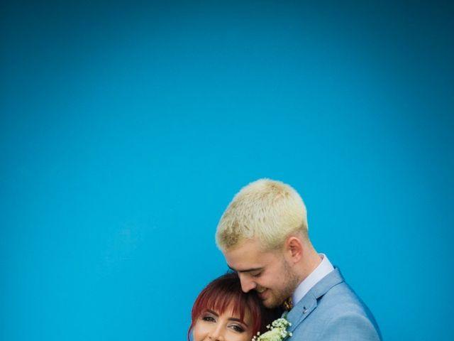 La boda de Vicente y Lai en Chiva, Valencia 25
