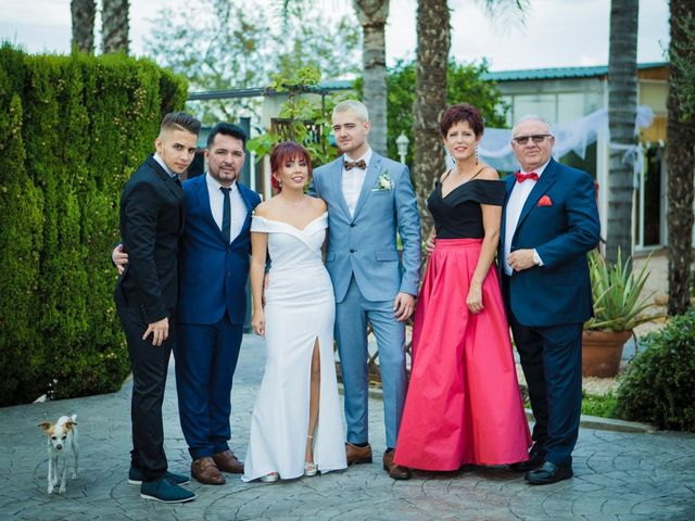 La boda de Vicente y Lai en Chiva, Valencia 33