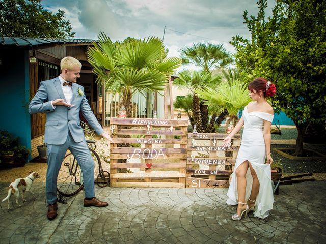 La boda de Vicente y Lai en Chiva, Valencia 35