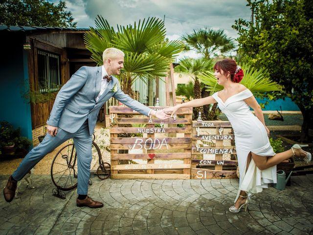 La boda de Vicente y Lai en Chiva, Valencia 36
