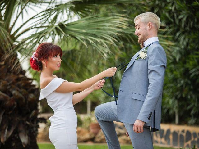 La boda de Vicente y Lai en Chiva, Valencia 50