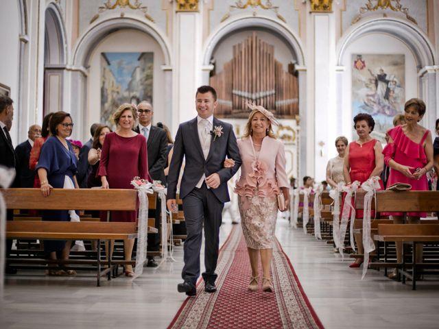 La boda de Javier y Miriam en Burriana, Castellón 21