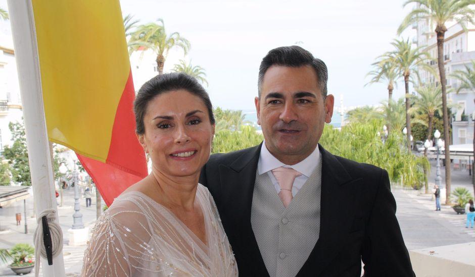 La boda de Chari  y Pepe  en Cádiz, Cádiz