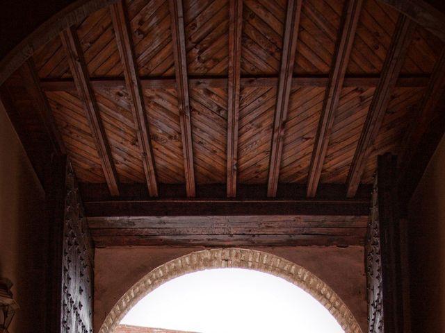 La boda de Jose Carlos y Beatriz en Mocejon, Toledo 24