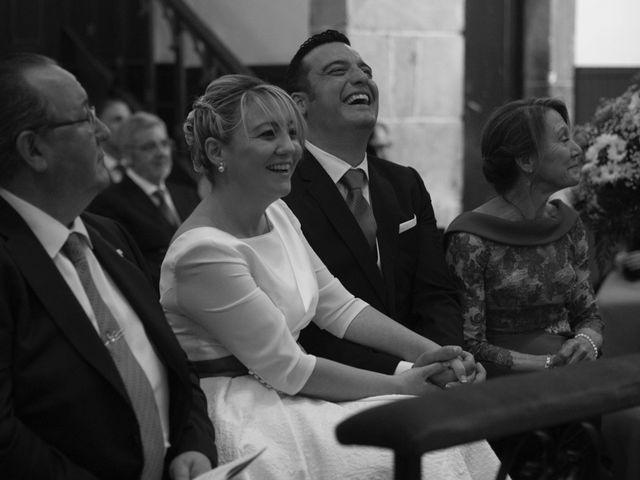 La boda de Dani y Mariana en Naveces, Asturias 21