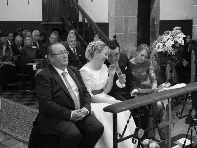 La boda de Dani y Mariana en Naveces, Asturias 23